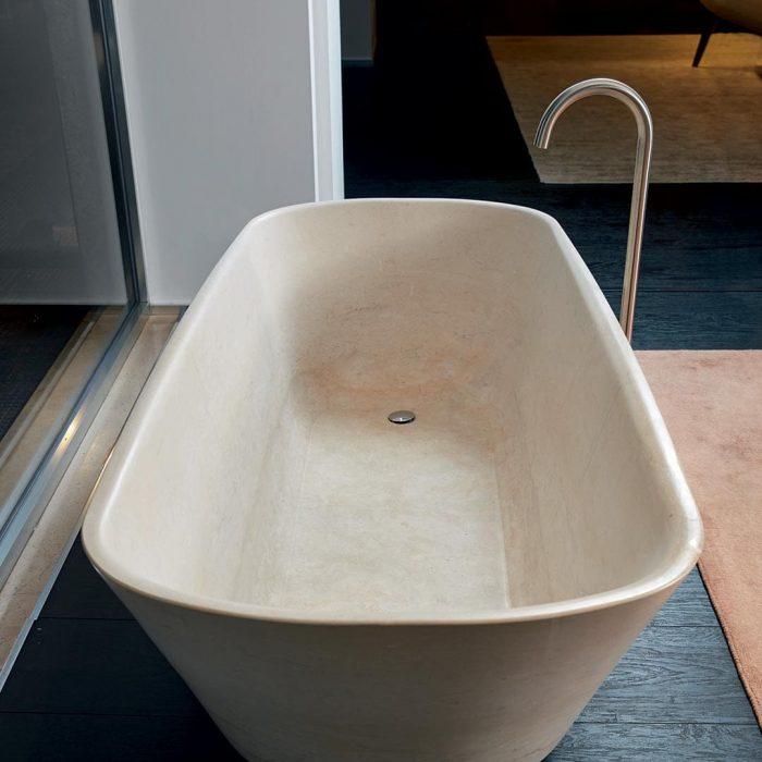 Apulia-Bathtub
